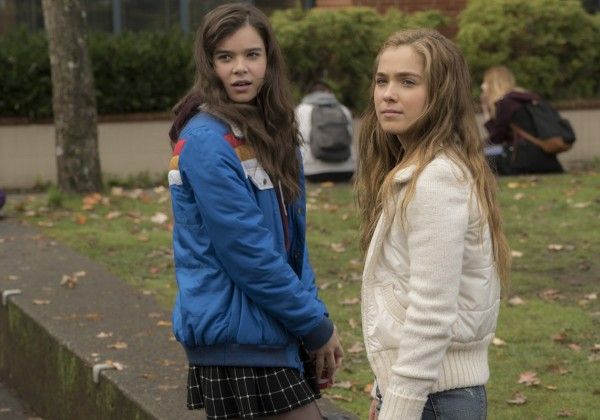 Interview: Hailee Steinfeld, Blake Jenner + more of 'The Edge Of Seventeen' cast on their new film.